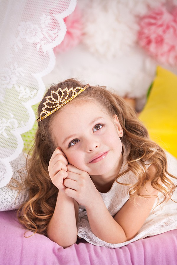 Shimmer & Sparkle Makeup Princess Party (8 girls)