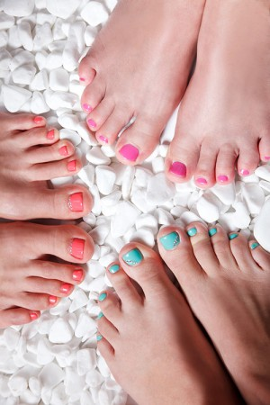 Mini Pedicure (or Manicure) & Chocolate Facial Teen Party (4 girls)